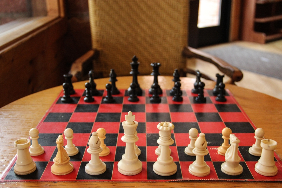 chess-board-table-chair